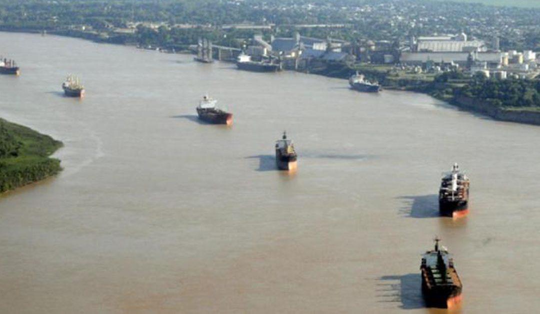 Bajante histórica del Paraná: crece la preocupación por el caudal del río y se complica la exportación de granos